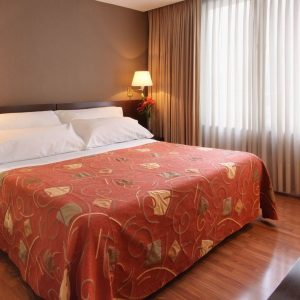 junior-suite-bedroom_10_orig